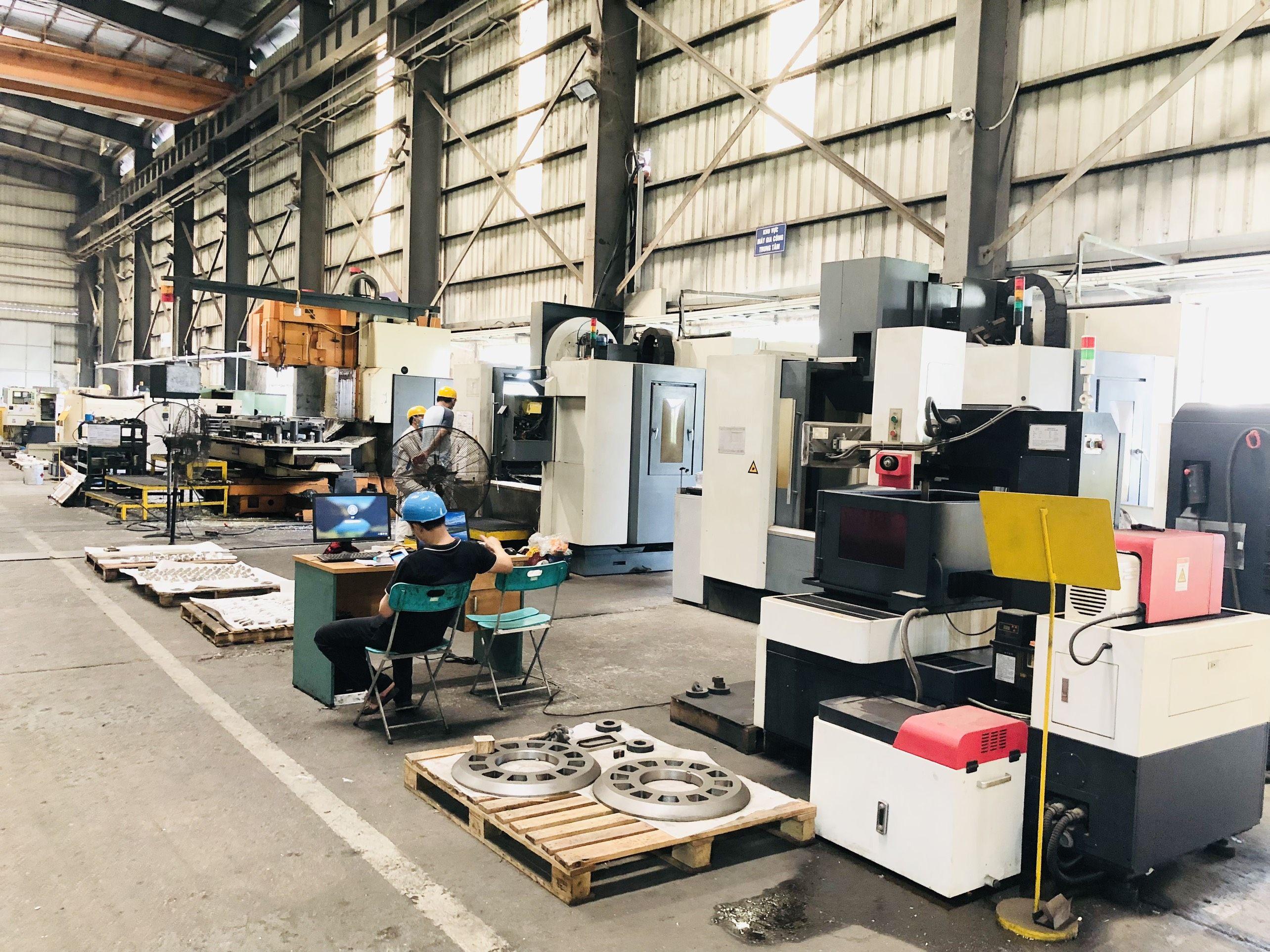 Xưởng sản xuất chế tạo gia công cơ khí